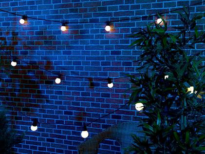 guirlande lumineuse led blanches exterieur guinguette secteur 13m 20 leds vendue sur deco-lumineuse.fr