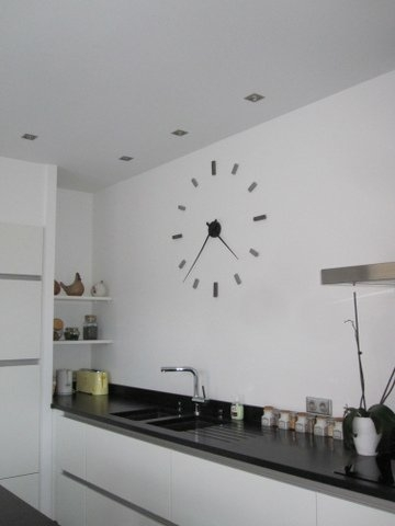 Grande montre murale design for Pendule contemporaine