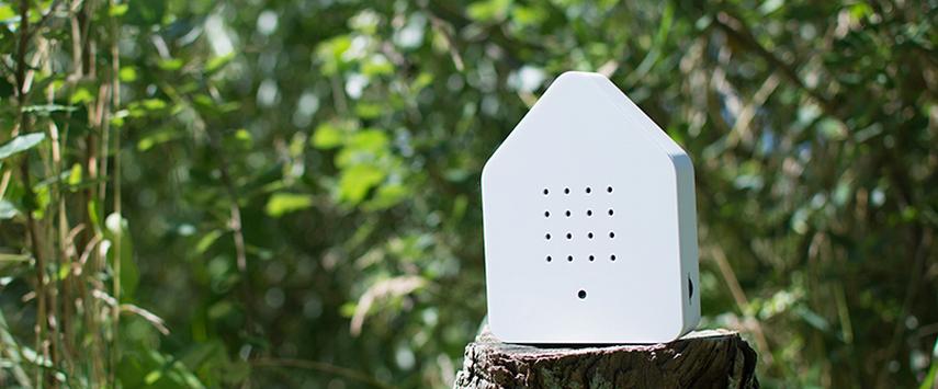 relaxound zwitscherbox nichoir chant d oiseau facade blanche une idee cadeau chez ugo et lea