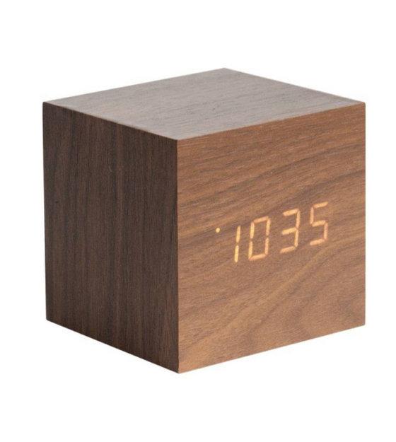 Le réveil mini-cube bois foncé de Karlsson