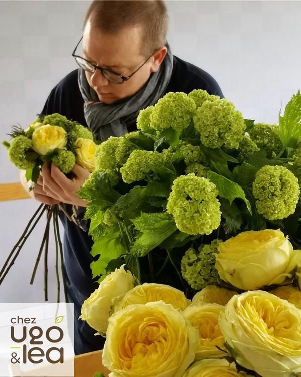 CHEZ UGO & LÉA Artisans fleuristes bouquet rond  fleurs & roses 5