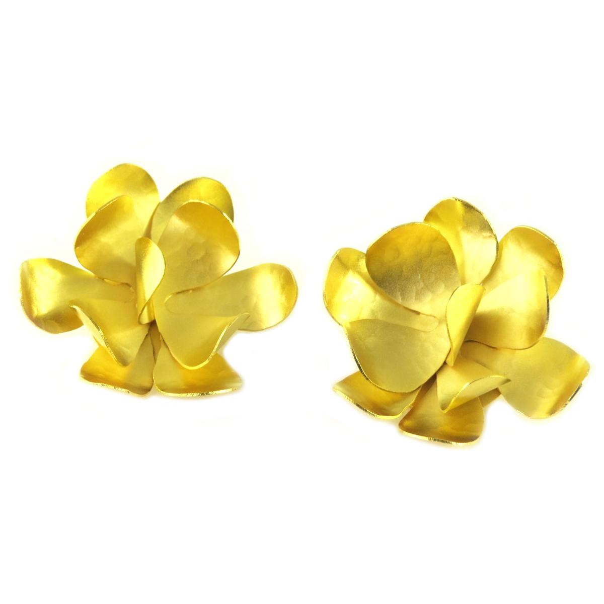 Boucles d\'oreilles clips artisanales \'Athena\' doré (fleurs) - 40 mm - [Q7871]