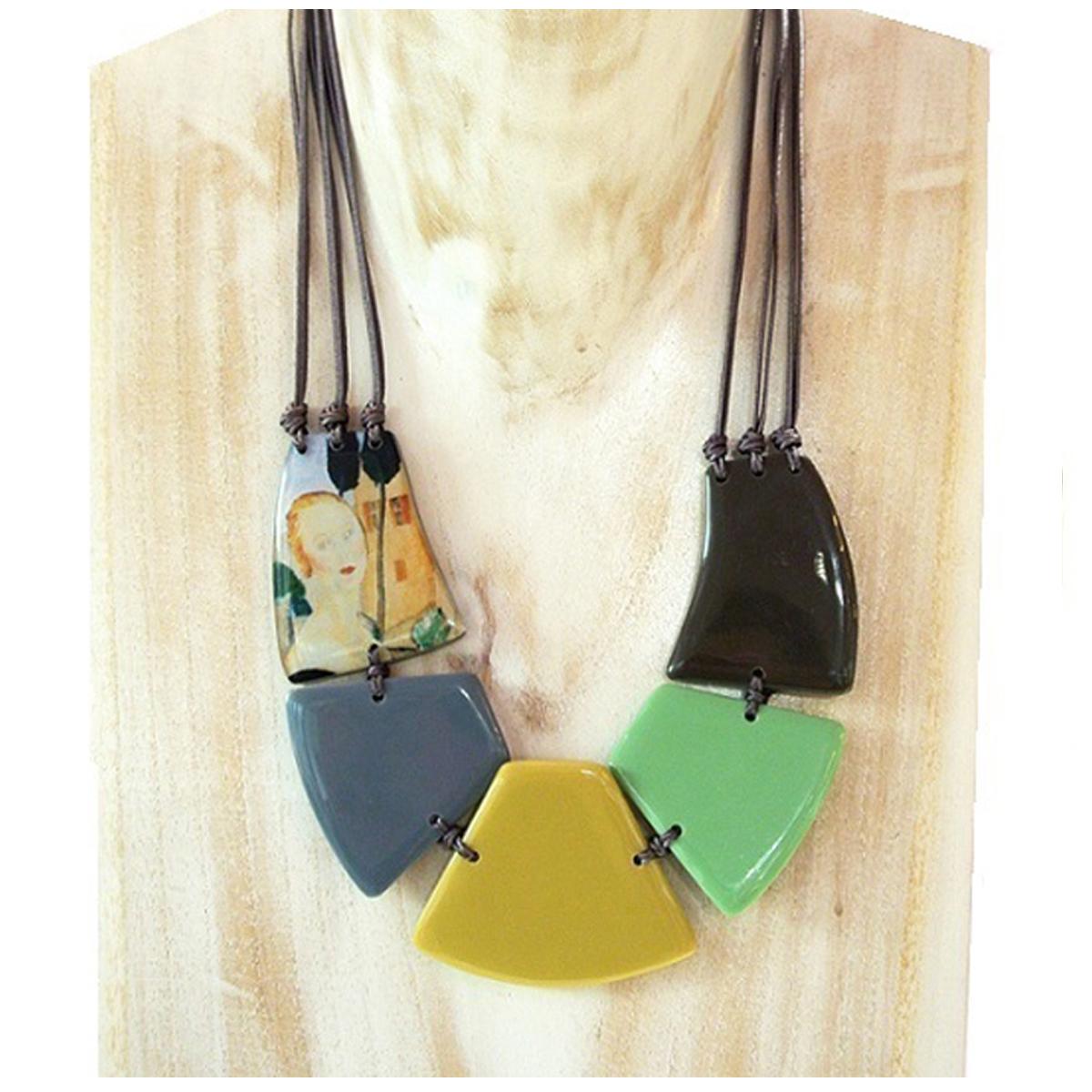 Collier artisanal \'Mistinguette\' vert - 5 cm - [R4270]