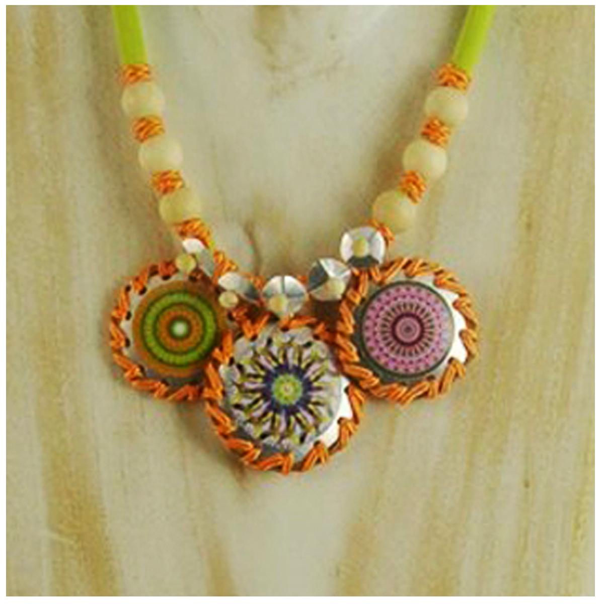 Collier artisanal \'Mistinguette\' vert orange argenté - 11x4 cm (mandala) - [R4309]