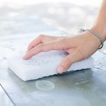 main tampon nettoyant  renovant zinc apothyzinc