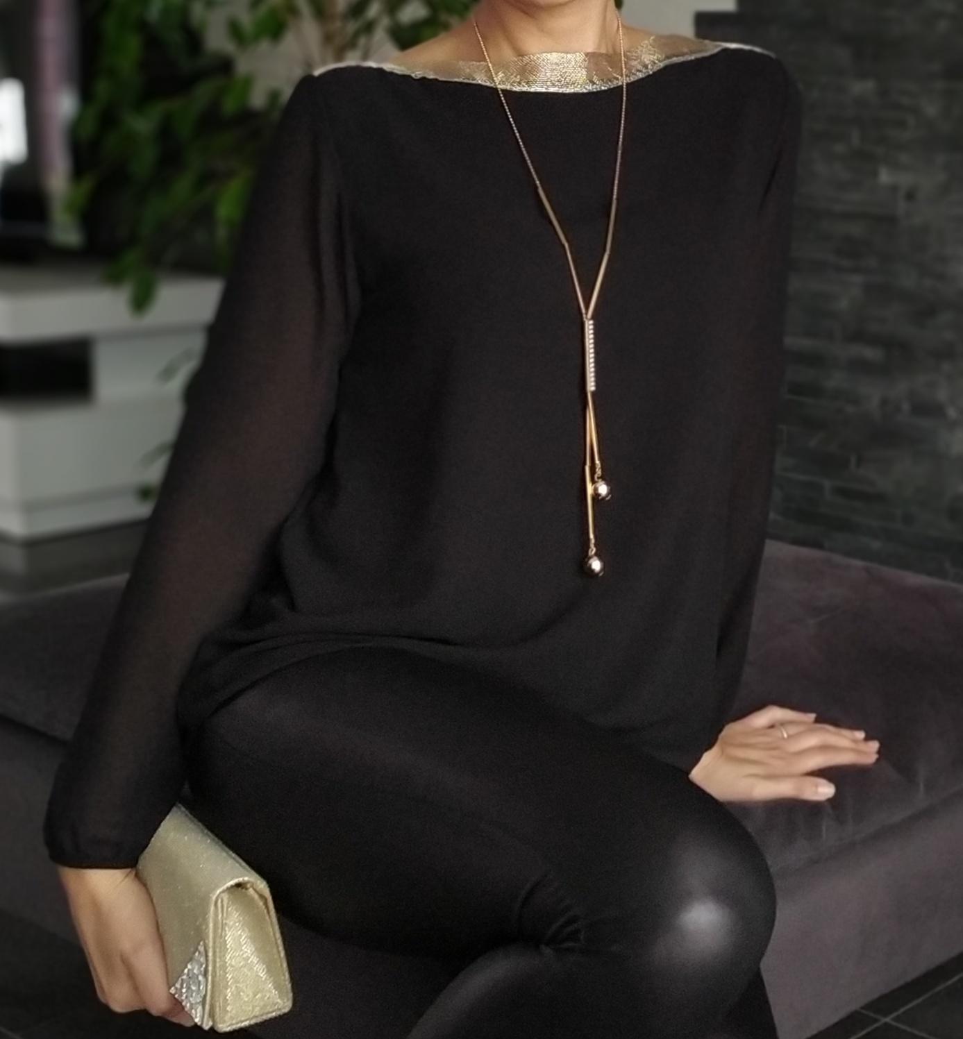Blouse Chic + collier - Noir