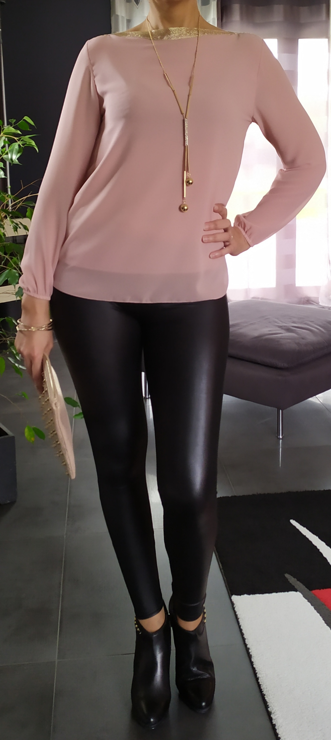 Blouse Chic + collier - Rose Poudré