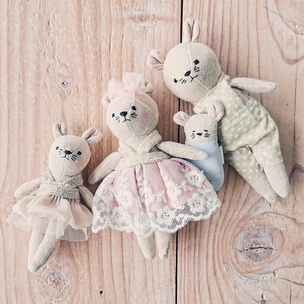 Famille poupée souris