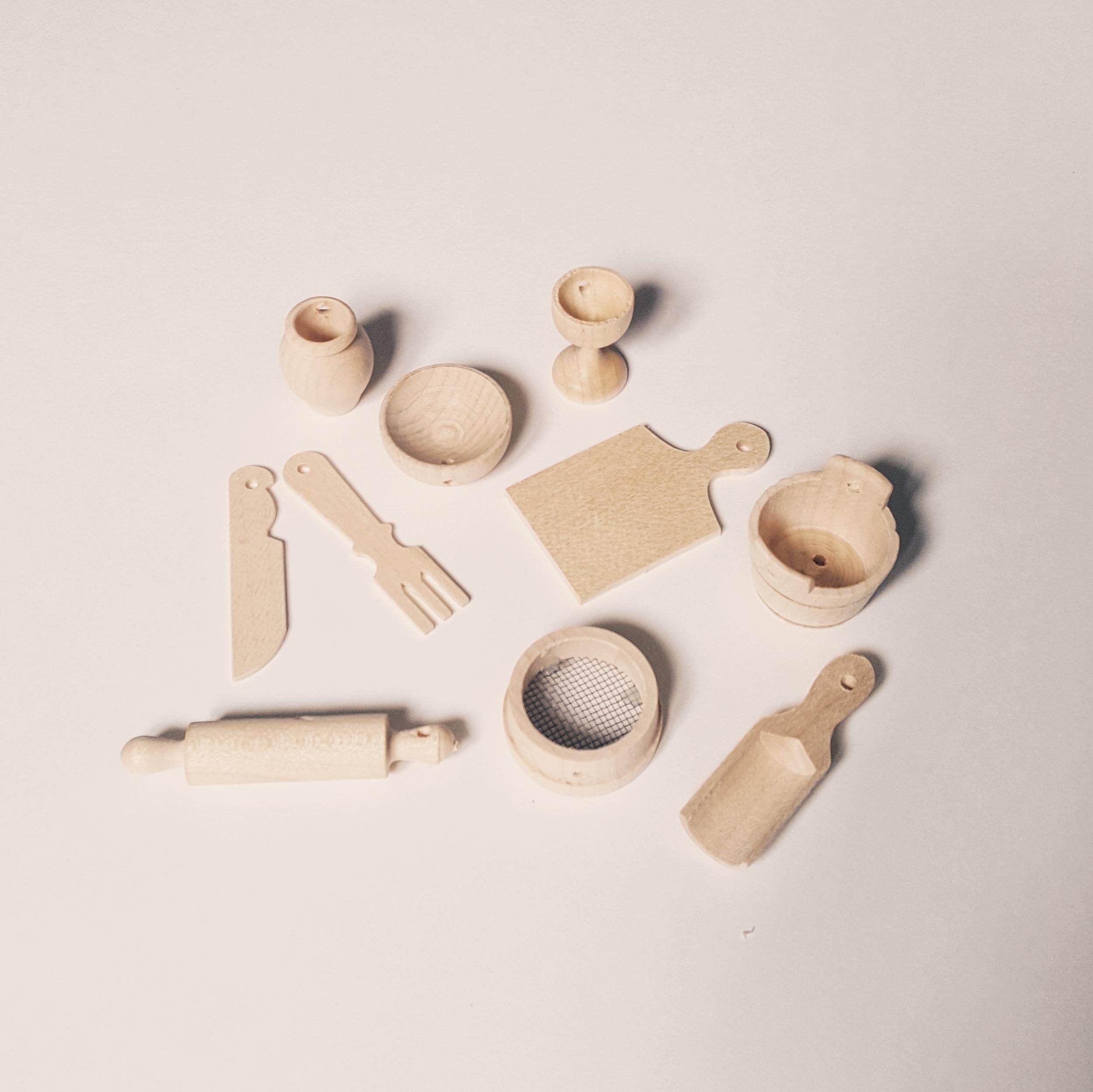 accessoires miniatures poupées