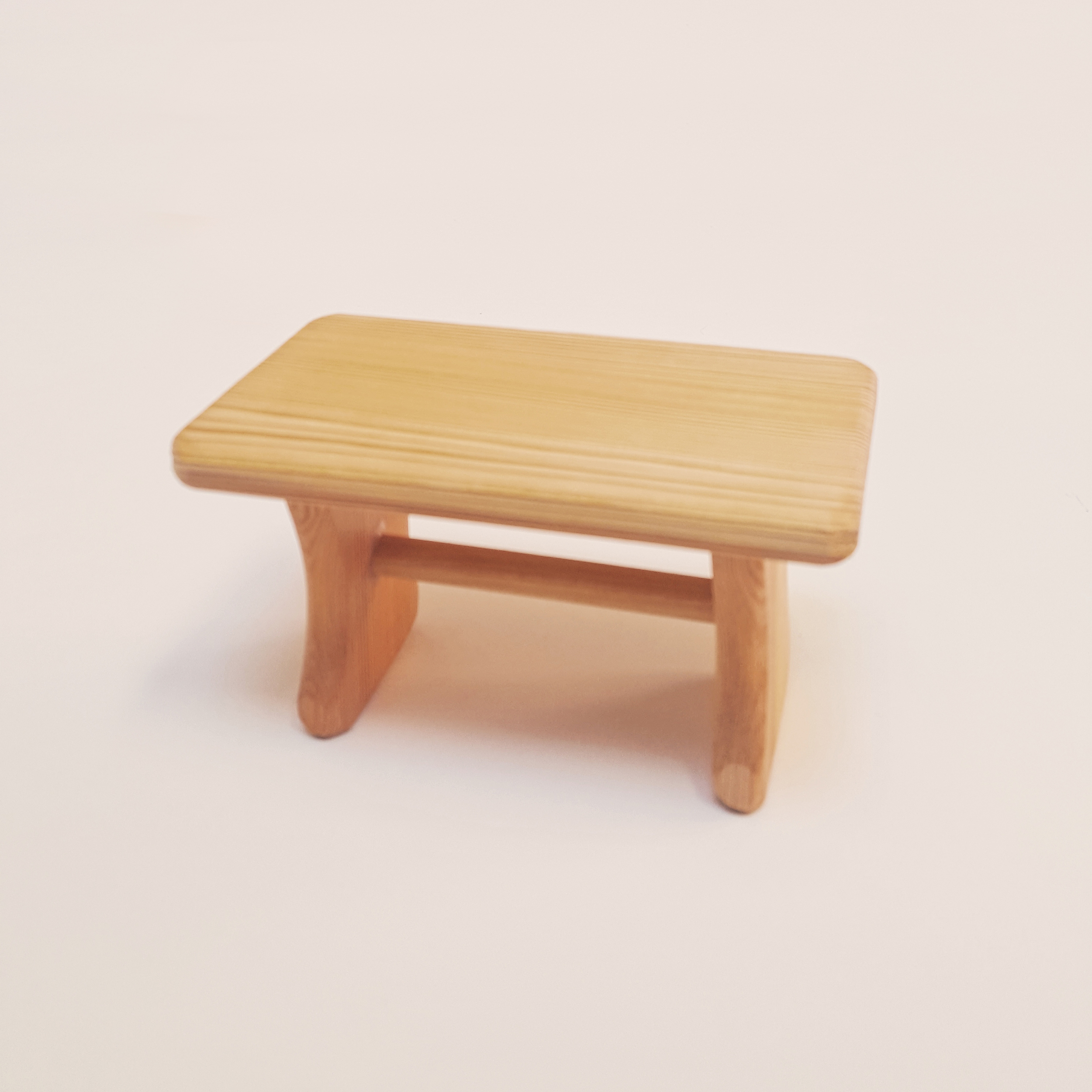 Table miniature en bois