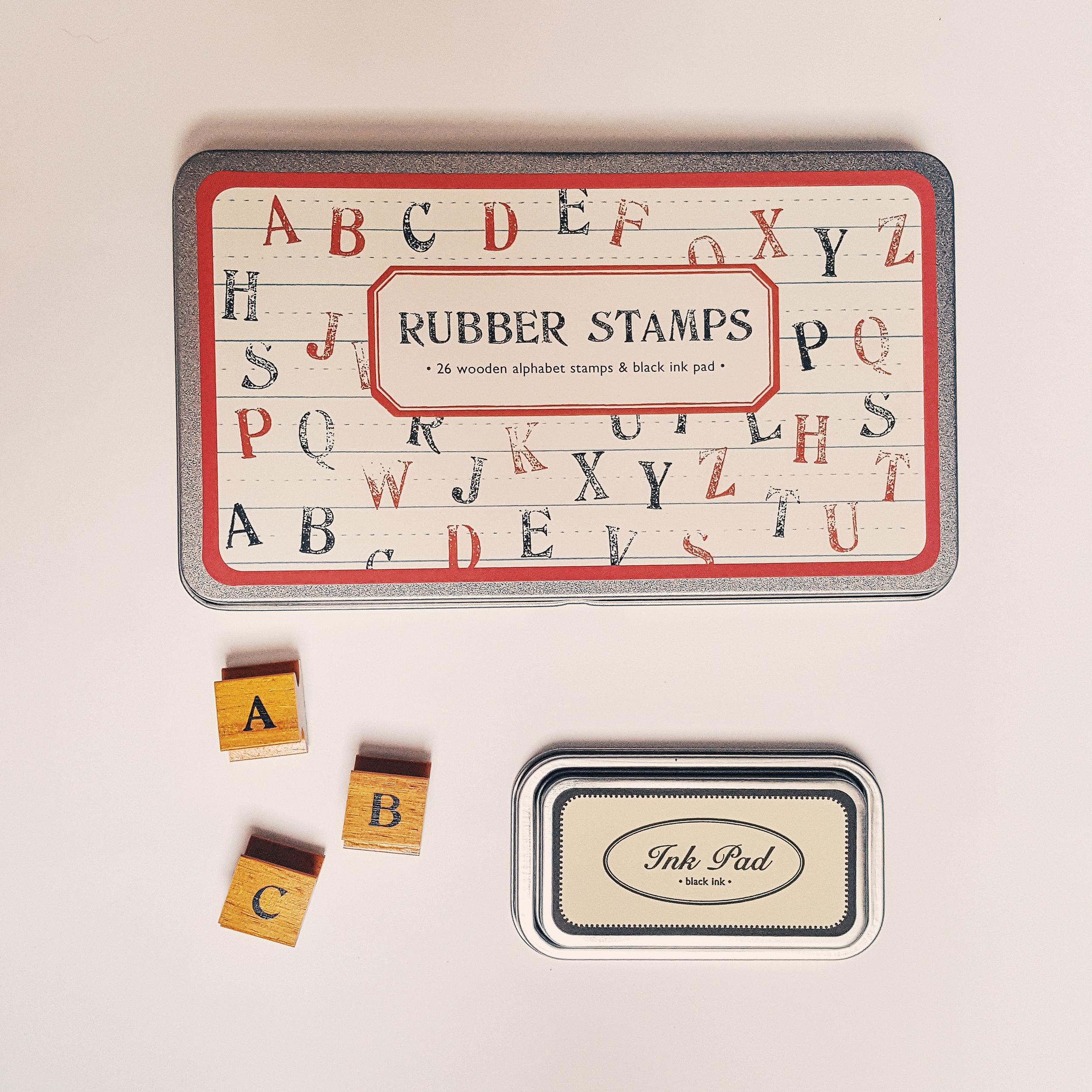 Boîte de tampons alphabet