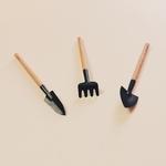 outils jardin miniature