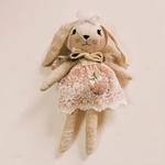 poupée lapin féérique