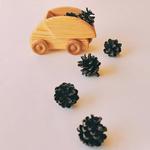 petit camion à benne bois brut