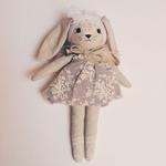 poupée lapin robe lavande