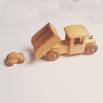 camion en bois avec benne