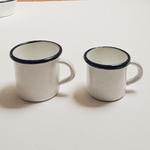 tasse en émail deux tailles