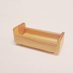 lit en bois figurine