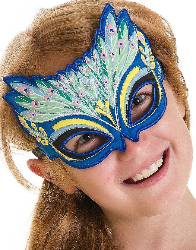 50799-Mask-Peacock-Model-Zoom-1