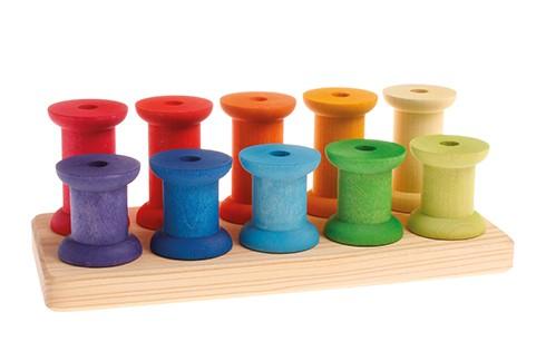 Grand jeu de bobines en bois à enfiler Grimm\'s