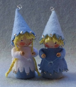 twee-kleine-kaboutertjes-winter-262x300