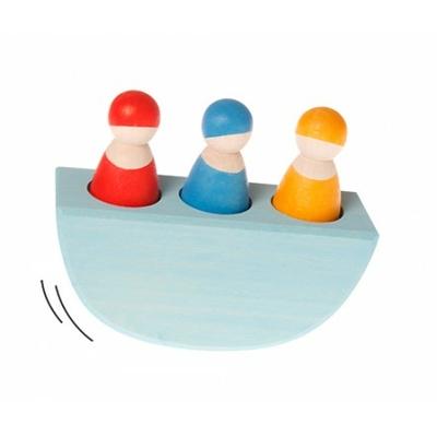 3 amis de couleur dans un bateau GRIMM's