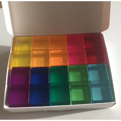 20 cubes translucides colorés Bauspiel