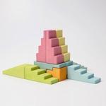 blocs-de-construction-en-escalier-pastel-grimms-3