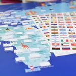 Poster géant + 200 stickers Drapeaux du monde Poppik 5