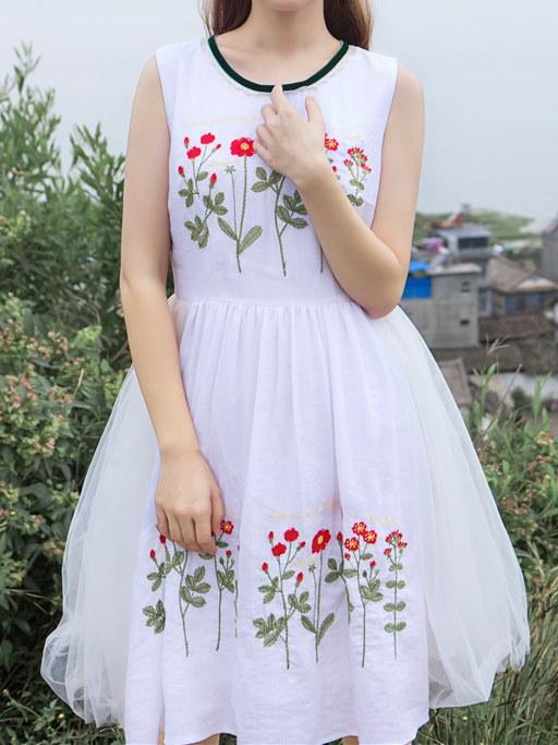 Robe blanche fleurs brodées boho boheme chic dress1225