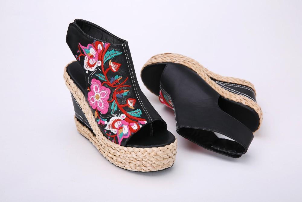 Chaussures compensées brodées boho bohème chic  CHAUSS0056