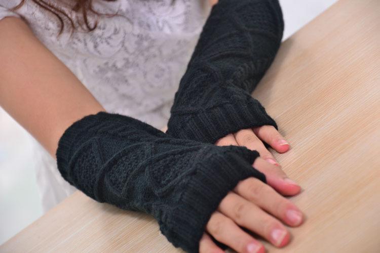 Mitaines mi longues tricotées noires boho boheme chic gloves0129