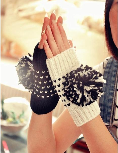 Mitaines pompons boho boheme chic gloves0225