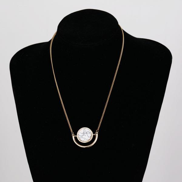 Collier cercle marbre sur demi lune boho boheme chic NECK0780