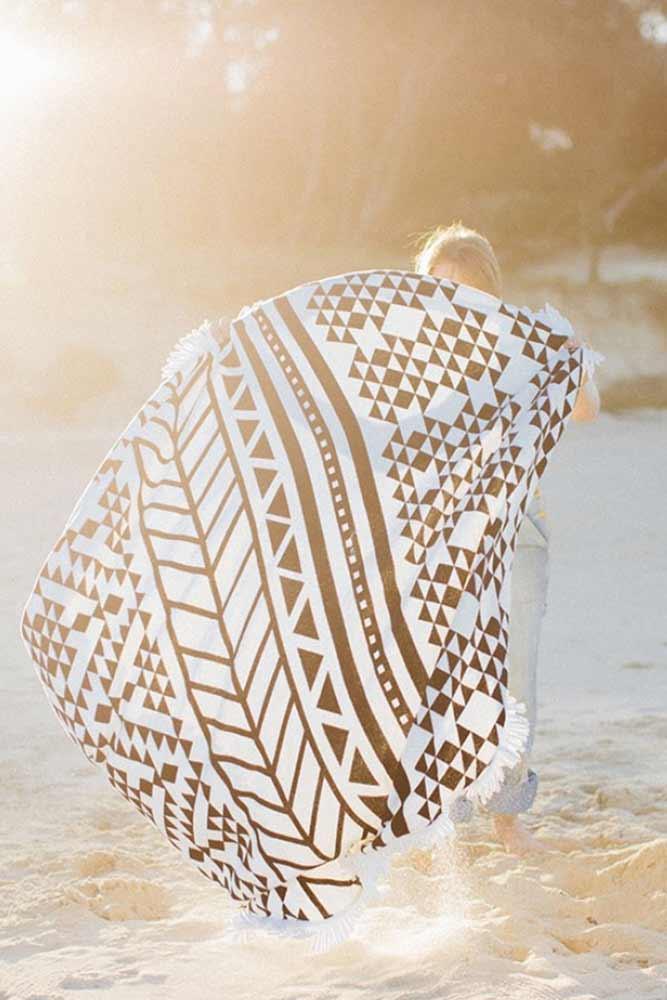 serviette de plage 2 places tendance t 2015 avec. Black Bedroom Furniture Sets. Home Design Ideas