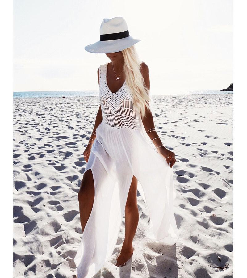 Robe blanche pour la plage