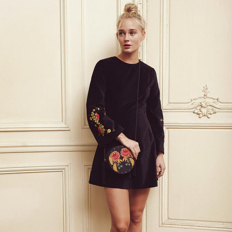 robe-noir-amenapih-tolka-hiver-2017
