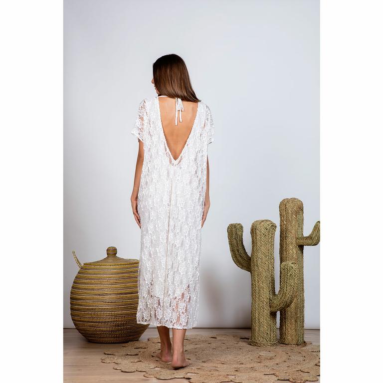 robe-longue-bohème-en-dentelle-blanche_COCO-dos