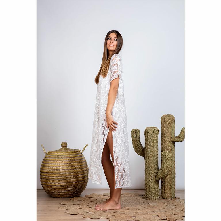 robe-longue-bohème-en-dentelle-blanche_COCO-coté