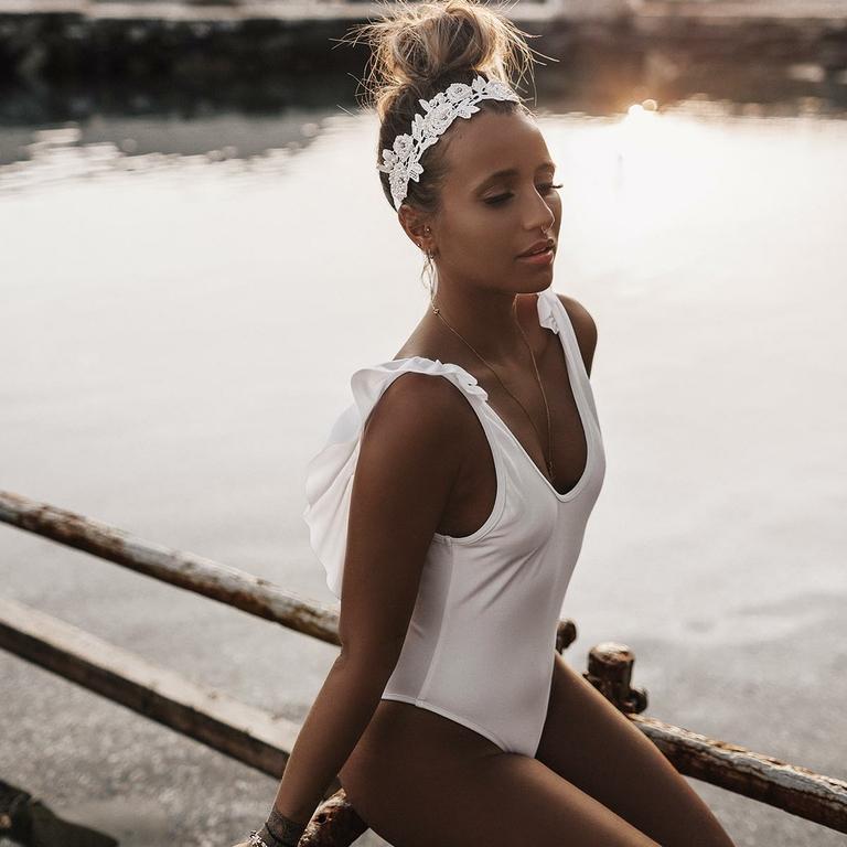 maillot-de-bain-une-pièce-blanc-à-volant-noholita_CAPRI-1P