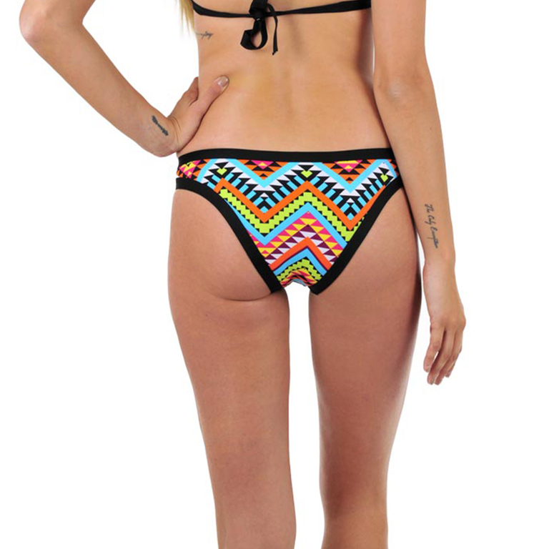 culotte_maillot-dos_metal_bikini-bar_173328-900