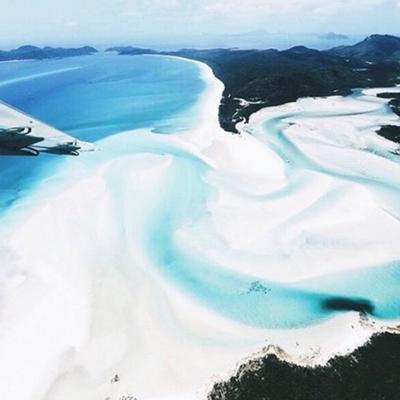 Beach-sable-blanc-été-plage-paradisiaque-eau-turquoise-vacances-soleil