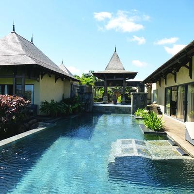 villa-luxe-mer-vacances-piscine