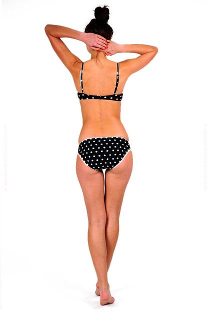 seafolly-2012-la-vita-balconnet-culotte-taille-basse-noir-pois-blanc-retrop-pin-up-pas-cher-soldes-promotion-discount-destockage-dos-0906163001362674895