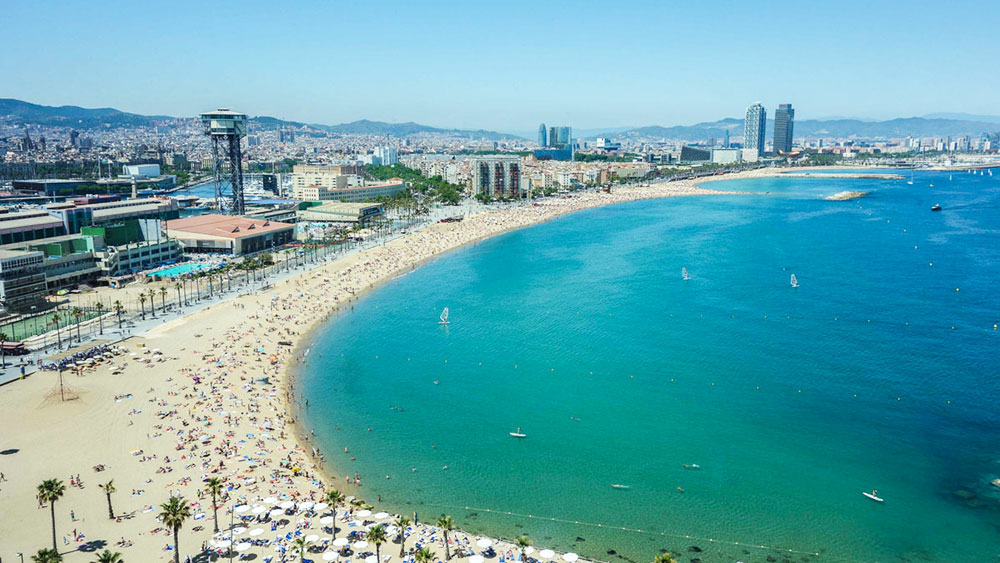 Barcelone-Plage-Destination-Weekend