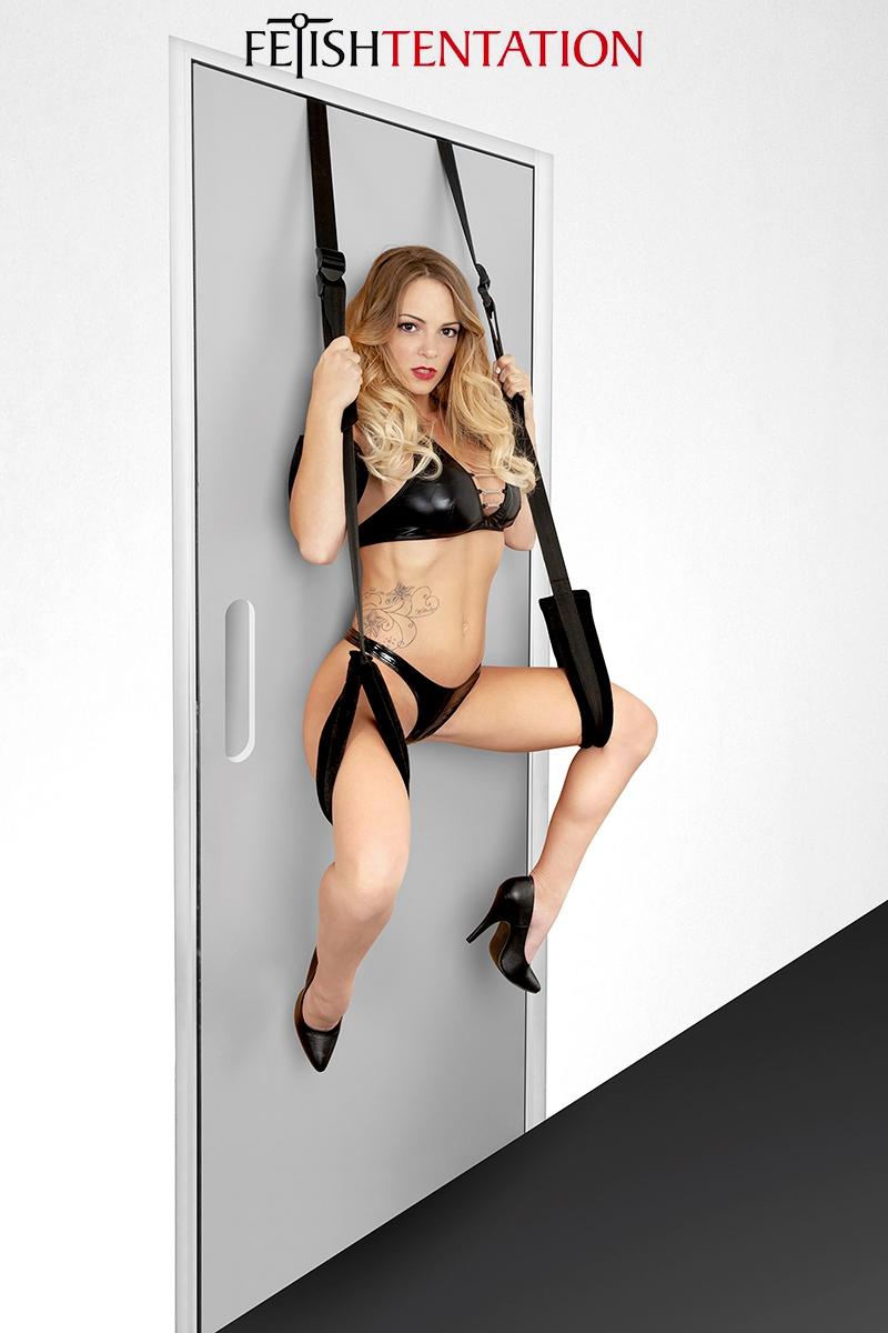 Balançoire sexuelle de porte Fetish Tentation, conçue pour le plaisir intime et permet de découvrir de nouvelles positions - oohmygod