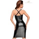 vue arrière de la robe longue et moulante F180 de la marque Noir handmade, bretelles croisées, haut en bustier et coupe tendance - oohmygod