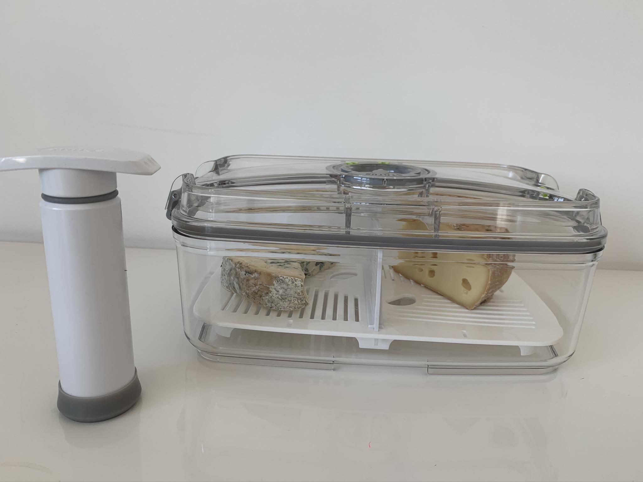 bote fromage avec pompe manuelle