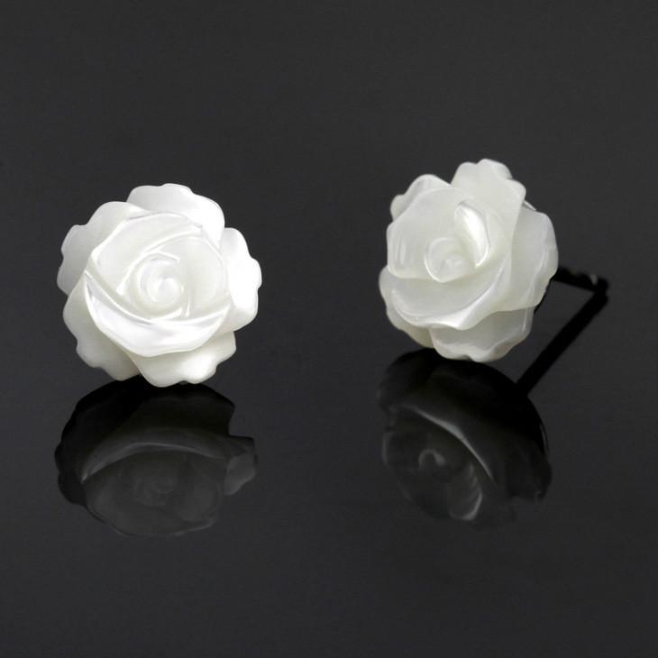 Boucles D\'oreilles Blanches Fleur Rose