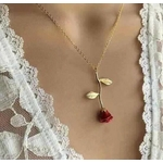 Collier_Rose_Fleur_pointe_rouge_poitrine